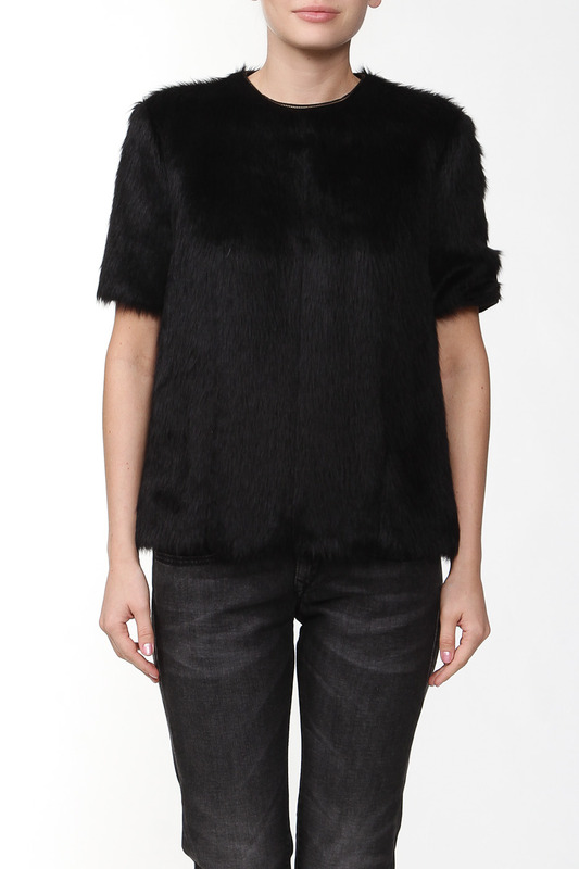 Полушубок CelineПолушубок<br><br>Размер INT: 38<br>Размер RU: 38<br>brand_id: 138<br>category_str_var: Odezhda-zhenskaia-polushubki<br>category_url: Odezhda/zhenskaia/polushubki<br>is_new: 0<br>param_1: None<br>param_2: None<br>season_autumn: 1<br>season_spring: 1<br>season_summer: 1<br>season_winter: 1<br>Возраст: None<br>Пол: Женский<br>Стиль: None<br>Тэг: None<br>Цвет: Черный<br>custom_param_1: None<br>custom_param_2: None
