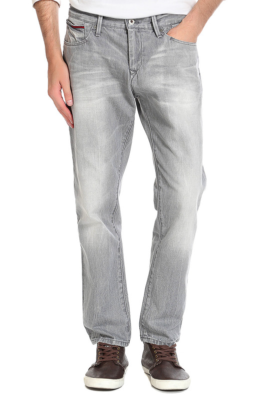 Джинсы Tommy Hilfiger DenimДжинсы<br><br>Размер INT: 33-34<br>Размер RU: 48-50<br>brand_id: 23671<br>category_str_var: Odezhda-muzhskaia-dzhinsy<br>category_url: Odezhda/muzhskaia/dzhinsy<br>is_new: 0<br>param_1: None<br>param_2: None<br>season_autumn: 1<br>season_spring: 1<br>season_summer: 1<br>season_winter: 1<br>Возраст: Взрослый<br>Пол: Мужской<br>Стиль: None<br>Тэг: Джинсы в стиле брюк, Джинсы прямые<br>Цвет: Серый<br>custom_param_1: None<br>custom_param_2: None
