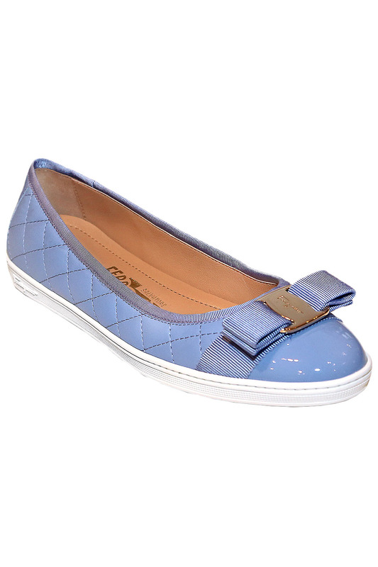 Балетки Salvatore FerragamoБалетки<br><br>Размер INT: 41<br>Размер RU: 41<br>brand_id: 4738<br>category_str_var: Obuv-zhenskaia-baletki<br>category_url: Obuv/zhenskaia/baletki<br>is_new: 0<br>param_1: None<br>param_2: None<br>season_autumn: 0<br>season_spring: 0<br>season_summer: 1<br>season_winter: 0<br>Возраст: Взрослый<br>Пол: Женский<br>Стиль: None<br>Тэг: None<br>Цвет: Голубой<br>custom_param_1: None<br>custom_param_2: None