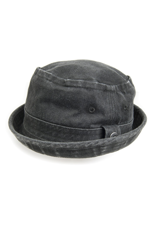 Шляпа Fisherman Hat AppamanШляпа Fisherman Hat<br><br>Размер INT: S<br>Размер RU: 48,5<br>brand_id: 29858<br>category_str_var: Aksessuary-detskie-golovnye-ubory-shljapy<br>category_url: Aksessuary/detskie-golovnye-ubory/shljapy<br>is_new: 0<br>param_1: None<br>param_2: None<br>season_autumn: 0<br>season_spring: 0<br>season_summer: 0<br>season_winter: 0<br>Возраст: Детский<br>Пол: Мужской<br>Стиль: None<br>Тэг: None<br>Цвет: Черный<br>custom_param_1: None<br>custom_param_2: None