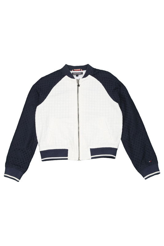 Куртка Tommy Hilfiger kidsКуртка<br><br>Размер INT: 8<br>Размер RU: 128-134<br>brand_id: 28486<br>category_str_var: Odezhda-odezhda-dlja-devochek-kurtki<br>category_url: Odezhda/odezhda-dlja-devochek/kurtki<br>is_new: 0<br>param_1: None<br>param_2: None<br>season_autumn: 1<br>season_spring: 1<br>season_summer: 0<br>season_winter: 0<br>Возраст: Детский<br>Пол: Женский<br>Стиль: None<br>Тэг: None<br>Цвет: Белый<br>custom_param_1: None<br>custom_param_2: None