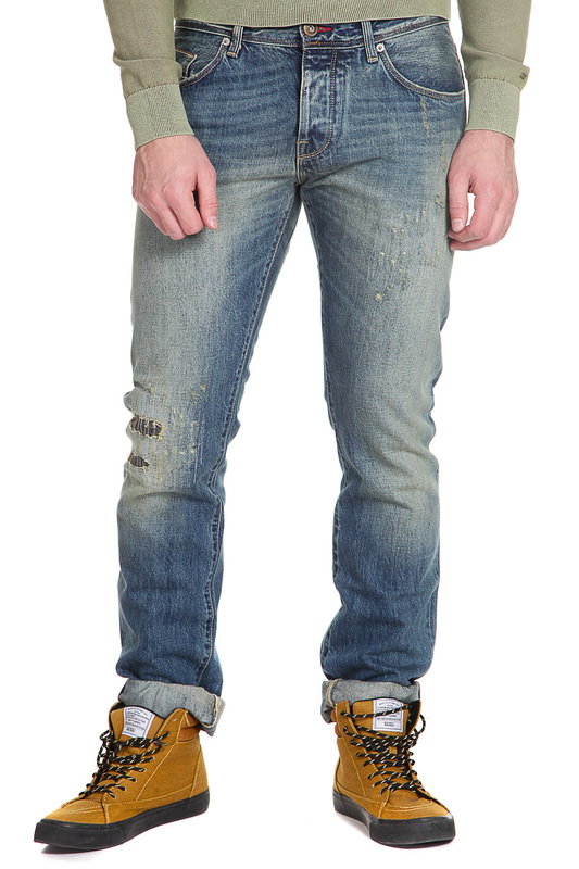 Джинсы Tommy HilfigerДжинсы<br><br>Размер INT: 33-36<br>Размер RU: 48-50<br>brand_id: 38<br>category_str_var: Odezhda-muzhskaia-dzhinsy<br>category_url: Odezhda/muzhskaia/dzhinsy<br>is_new: 0<br>param_1: None<br>param_2: None<br>season_autumn: 1<br>season_spring: 1<br>season_summer: 1<br>season_winter: 1<br>Возраст: Взрослый<br>Пол: Мужской<br>Стиль: None<br>Тэг: None<br>Цвет: Portofino indigo<br>custom_param_1: None<br>custom_param_2: None