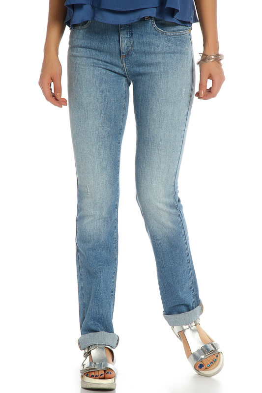 Джинсы Trussardi JeansДжинсы<br><br>Размер INT: 30<br>Размер RU: 30<br>brand_id: 155<br>category_str_var: Odezhda-zhenskaia-dzhinsy<br>category_url: Odezhda/zhenskaia/dzhinsy<br>is_new: 0<br>param_1: None<br>param_2: None<br>season_autumn: 0<br>season_spring: 0<br>season_summer: 0<br>season_winter: 0<br>Возраст: Взрослый<br>Пол: Женский<br>Стиль: None<br>Тэг: None<br>Цвет: Синий<br>custom_param_1: None<br>custom_param_2: None