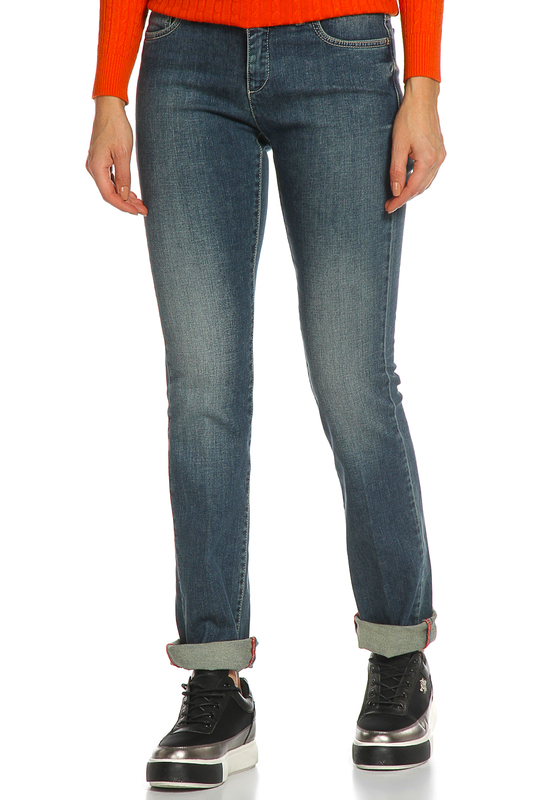 Джинсы Trussardi JeansДжинсы<br><br>Размер INT: 33<br>Размер RU: 48-50<br>brand_id: 155<br>category_str_var: Odezhda-zhenskaia-dzhinsy<br>category_url: Odezhda/zhenskaia/dzhinsy<br>is_new: 0<br>param_1: None<br>param_2: None<br>season_autumn: 0<br>season_spring: 0<br>season_summer: 0<br>season_winter: 0<br>Возраст: Взрослый<br>Пол: Женский<br>Стиль: None<br>Тэг: None<br>Цвет: Синий<br>custom_param_1: None<br>custom_param_2: None