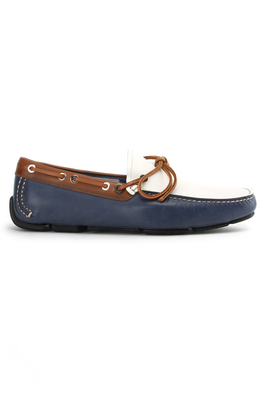 Мокасины-драйверы Salvatore FerragamoМокасины-драйверы<br><br>Размер INT: 9<br>Размер RU: 42<br>brand_id: 4738<br>category_str_var: Obuv-muzhskaia-mokasiny<br>category_url: Obuv/muzhskaia/mokasiny<br>is_new: 0<br>param_1: None<br>param_2: None<br>season_autumn: 0<br>season_spring: 0<br>season_summer: 0<br>season_winter: 0<br>Возраст: Взрослый<br>Пол: Мужской<br>Стиль: None<br>Тэг: None<br>Цвет: Blue, white<br>custom_param_1: None<br>custom_param_2: None