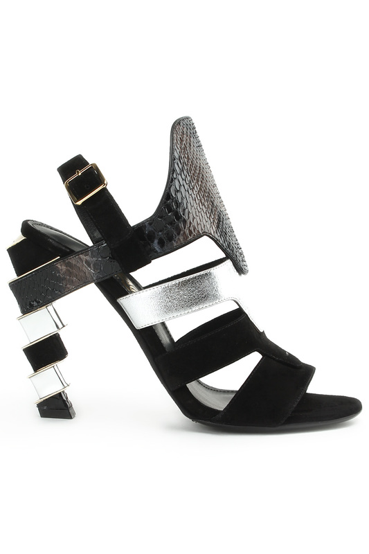 Босоножки Salvatore FerragamoБосоножки<br><br>Размер INT: 7,5<br>Размер RU: 7,5<br>brand_id: 4738<br>category_str_var: Obuv-zhenskaia-bosonozhki<br>category_url: Obuv/zhenskaia/bosonozhki<br>is_new: 0<br>param_1: None<br>param_2: None<br>season_autumn: 0<br>season_spring: 0<br>season_summer: 1<br>season_winter: 0<br>Возраст: Взрослый<br>Пол: Женский<br>Стиль: None<br>Тэг: None<br>Цвет: Black<br>custom_param_1: None<br>custom_param_2: None