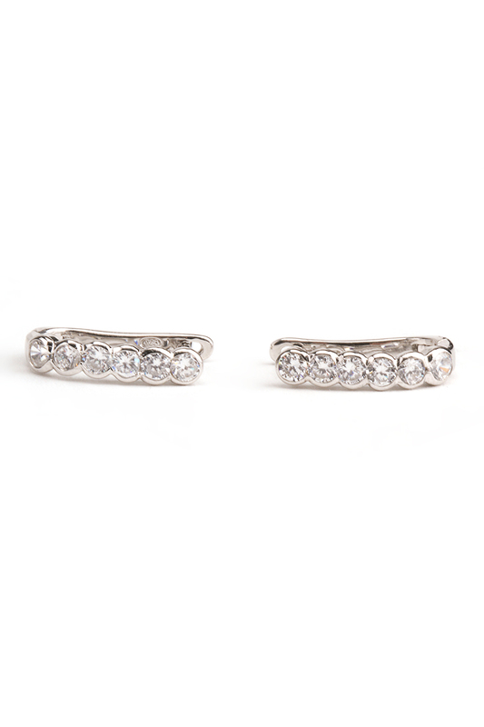 Серьги YOUKONСерьги<br><br>brand_id: 47607<br>category_str_var: Aksessuary-zhenskaja-bizhuterija-sergi-klipsy-i-pirsing<br>category_url: Aksessuary/zhenskaja-bizhuterija/sergi-klipsy-i-pirsing<br>is_new: 0<br>param_1: 1<br>param_2: None<br>season_autumn: 1<br>season_spring: 1<br>season_summer: 1<br>season_winter: 1<br>Возраст: Взрослый<br>Пол: Женский<br>Стиль: None<br>Тэг: None<br>Цвет: Серебряный<br>custom_param_1: None<br>custom_param_2: None<br>Школьная форма: None