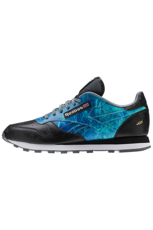 Кроссовки ReebokКроссовки<br><br>Размер RU: 44<br>brand_id: 1616<br>category_str_var: Obuv-muzhskaia-krossovki<br>category_url: Obuv/muzhskaia/krossovki<br>is_new: 0<br>param_1: 1<br>param_2: None<br>season_autumn: 1<br>season_spring: 1<br>season_summer: 1<br>season_winter: 1<br>Возраст: Взрослый<br>Пол: Мужской<br>Стиль: None<br>Тэг: Кроссовки и бутсы спортивные<br>Цвет: Black, alloy, gold met, white,<br>custom_param_1: None<br>custom_param_2: None<br>Школьная форма: None