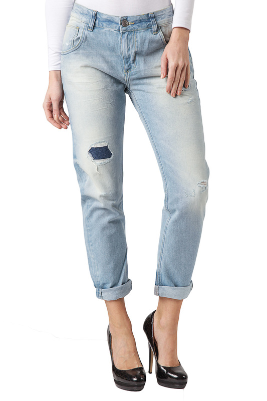 Джинсы CROSS JEANSДжинсы<br><br>Размер INT: 27<br>Размер RU: 42-44<br>brand_id: 41642<br>category_str_var: Odezhda-zhenskaia-dzhinsy<br>category_url: Odezhda/zhenskaia/dzhinsy<br>is_new: 0<br>param_1: None<br>param_2: None<br>season_autumn: 0<br>season_spring: 0<br>season_summer: 0<br>season_winter: 0<br>Возраст: Взрослый<br>Пол: Женский<br>Стиль: None<br>Тэг: None<br>Цвет: Light blue<br>custom_param_1: None<br>custom_param_2: None