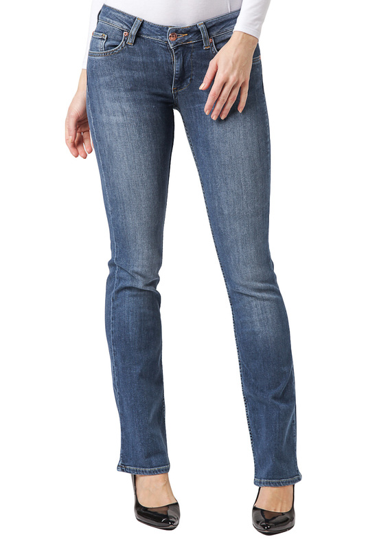 Джинсы CROSS JEANSДжинсы<br><br>Размер INT: 30-34<br>Размер RU: 46<br>brand_id: 41642<br>category_str_var: Odezhda-zhenskaia-dzhinsy<br>category_url: Odezhda/zhenskaia/dzhinsy<br>is_new: 0<br>param_1: None<br>param_2: None<br>season_autumn: 0<br>season_spring: 0<br>season_summer: 0<br>season_winter: 0<br>Возраст: Взрослый<br>Пол: Женский<br>Стиль: None<br>Тэг: None<br>Цвет: Blue<br>custom_param_1: None<br>custom_param_2: None