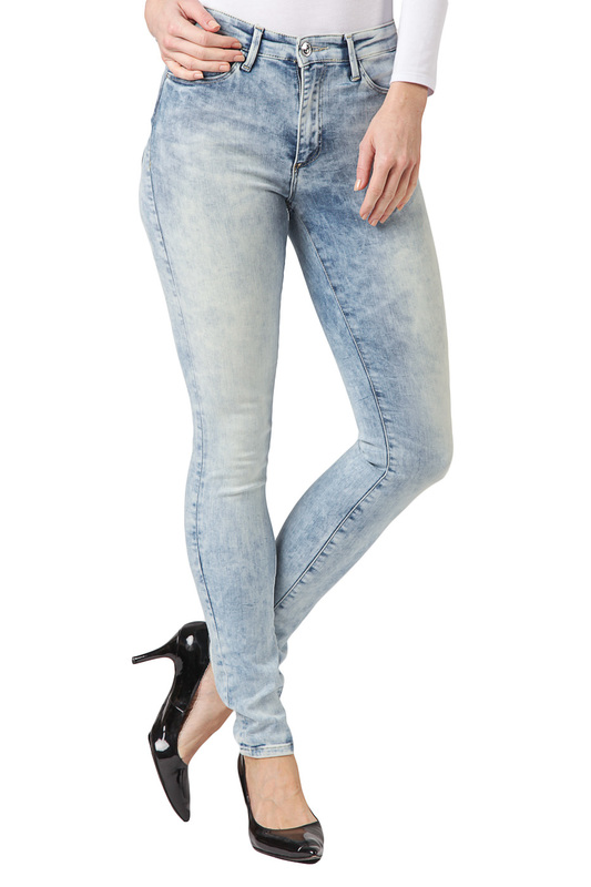 Джинсы CROSS JEANSДжинсы<br><br>Размер INT: 25-32<br>Размер RU: 40<br>brand_id: 41642<br>category_str_var: Odezhda-zhenskaia-dzhinsy<br>category_url: Odezhda/zhenskaia/dzhinsy<br>is_new: 0<br>param_1: None<br>param_2: None<br>season_autumn: 0<br>season_spring: 0<br>season_summer: 0<br>season_winter: 0<br>Возраст: Взрослый<br>Пол: Женский<br>Стиль: None<br>Тэг: None<br>Цвет: Light blue<br>custom_param_1: None<br>custom_param_2: None