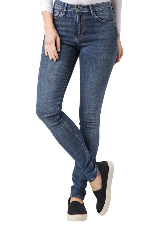Джинсы CROSS JEANSДжинсы<br><br>Размер INT: 29-32<br>Размер RU: 44-46<br>brand_id: 41642<br>category_str_var: Odezhda-zhenskaia-dzhinsy<br>category_url: Odezhda/zhenskaia/dzhinsy<br>is_new: 0<br>param_1: None<br>param_2: None<br>season_autumn: 0<br>season_spring: 0<br>season_summer: 0<br>season_winter: 0<br>Возраст: Взрослый<br>Пол: Женский<br>Стиль: None<br>Тэг: None<br>Цвет: Blue<br>custom_param_1: None<br>custom_param_2: None