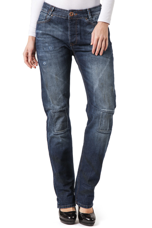 Джинсы CROSS JEANSДжинсы<br><br>Размер INT: 27-32<br>Размер RU: 42-44<br>brand_id: 41642<br>category_str_var: Odezhda-zhenskaia-dzhinsy<br>category_url: Odezhda/zhenskaia/dzhinsy<br>is_new: 0<br>param_1: None<br>param_2: None<br>season_autumn: 0<br>season_spring: 0<br>season_summer: 0<br>season_winter: 0<br>Возраст: Взрослый<br>Пол: Женский<br>Стиль: None<br>Тэг: None<br>Цвет: Blue<br>custom_param_1: None<br>custom_param_2: None