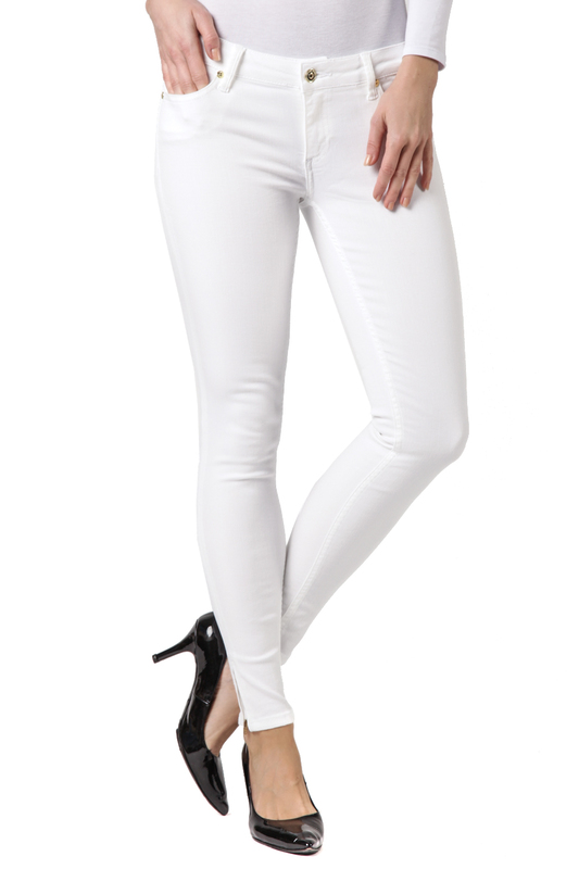 Джинсы CROSS JEANSДжинсы<br><br>Размер INT: 25<br>Размер RU: 40<br>brand_id: 41642<br>category_str_var: Odezhda-zhenskaia-dzhinsy<br>category_url: Odezhda/zhenskaia/dzhinsy<br>is_new: 0<br>param_1: None<br>param_2: None<br>season_autumn: 0<br>season_spring: 0<br>season_summer: 0<br>season_winter: 0<br>Возраст: Взрослый<br>Пол: Женский<br>Стиль: None<br>Тэг: None<br>Цвет: White<br>custom_param_1: None<br>custom_param_2: None