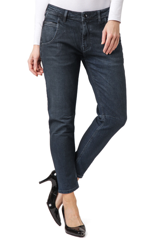 Джинсы CROSS JEANSДжинсы<br><br>Размер INT: 31<br>Размер RU: 46-48<br>brand_id: 41642<br>category_str_var: Odezhda-zhenskaia-dzhinsy<br>category_url: Odezhda/zhenskaia/dzhinsy<br>is_new: 0<br>param_1: None<br>param_2: None<br>season_autumn: 0<br>season_spring: 0<br>season_summer: 0<br>season_winter: 0<br>Возраст: Взрослый<br>Пол: Женский<br>Стиль: None<br>Тэг: None<br>Цвет: Blue<br>custom_param_1: None<br>custom_param_2: None