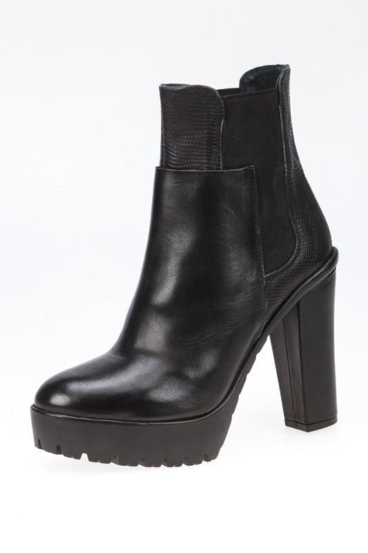 ankle boots AVAILABLE Ботильоны на танкетке (платформе) ankle boots available ботильоны на танкетке платформе