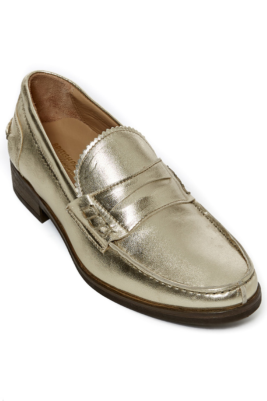 Penny loafers British passport