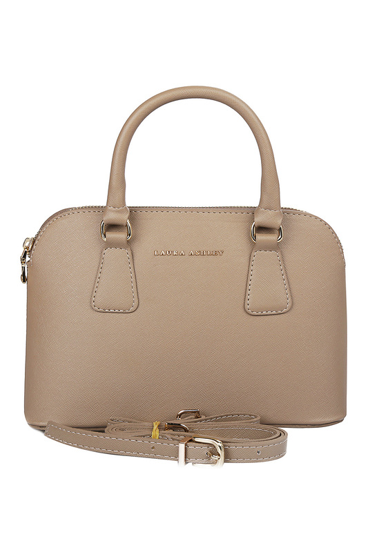 bag Laura Ashley bag шорты moschino шорты