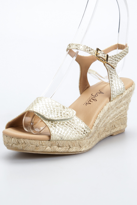 Wedge sandals AGILIS BARCELONA Wedge sandals сабо gianmarco lorenzi