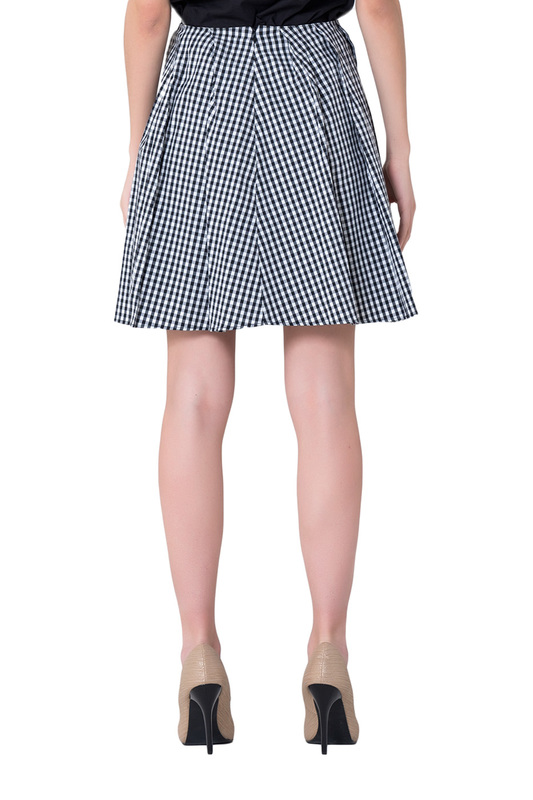 Skirt Gianfranco Ferre Skirt